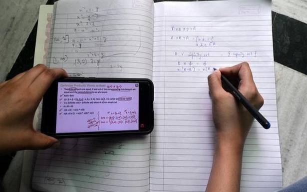 Mobile Students-1